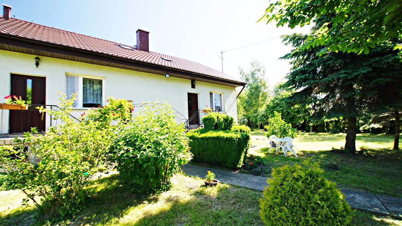 Dom na wsi z dużą działką